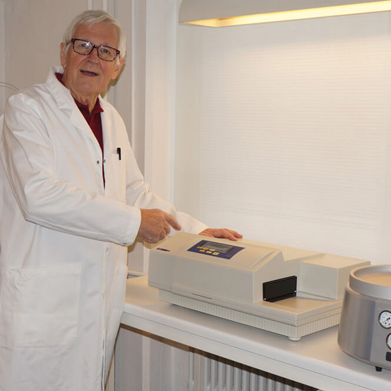 OligoMaker ApS uses the SpectraMax 190 Reader to Test DNA/RNA Synthesizers