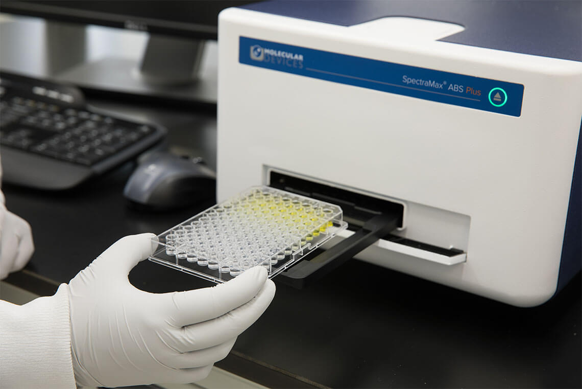 SpectraMax ABS Plus with 96-well microplates