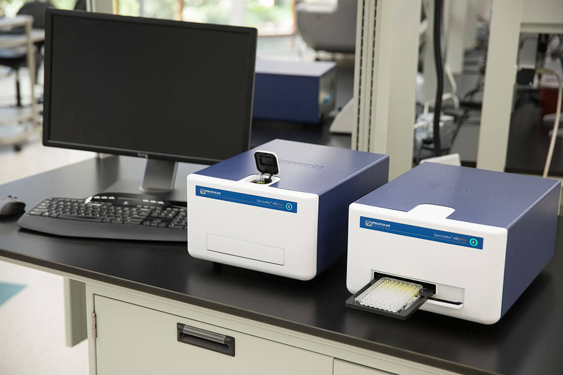 SpectraMax ABS Plus Absorbance Microplate Readers